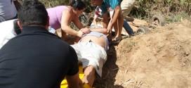 Acidente deixa homem ferido em estrada rural