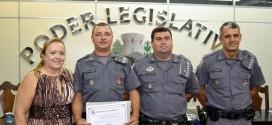 Policial Padrão e estudantes são homenageados na Câmara