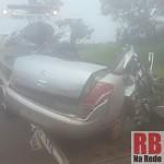 Carro ficou destruído (Foto: RB Na Rede)
