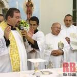 Padre durante missa (Foto: Antonio L.Teixeira)