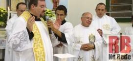 Padre Ricardo Alexandre é efetivado como pároco de Trabiju