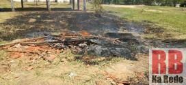 Moradores reclamam de fogo ateado no Recinto de Exposições