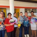 Mamães que trabalham na Emei Ariovaldo Fonseca com a primeira dama (Foto: Divulgação)