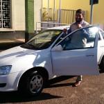 Prefeito Juninho Rogante com as chaves do Classic 0 Km (Foto: Divulgação)