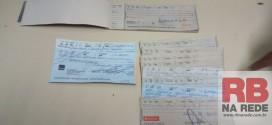 Trio é preso com cheques de origem duvidosa em Ribeirão Bonito