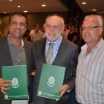 Prefeitos de Trabiju, São Carlos e Ribeirão Bonito durante a solenidade (Foto: Divulgação/PMSC)