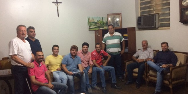 Prefeito e vereadores de Ribeirão Bonito se reúnem com Fabricio Vanzelli