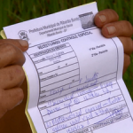 Moradores levam receitas, mas saem sem remédios (Foto: Ely Venâncio/EPTV)