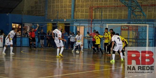 Ribeirão Bonito vence Santa Lúcia pela Taça EPTV de Futsal