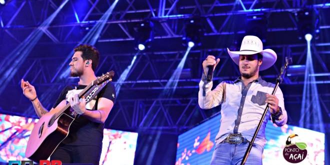 Bruno & Barretto faz o público dançar na Festa do Peão de Ribeirão Bonito